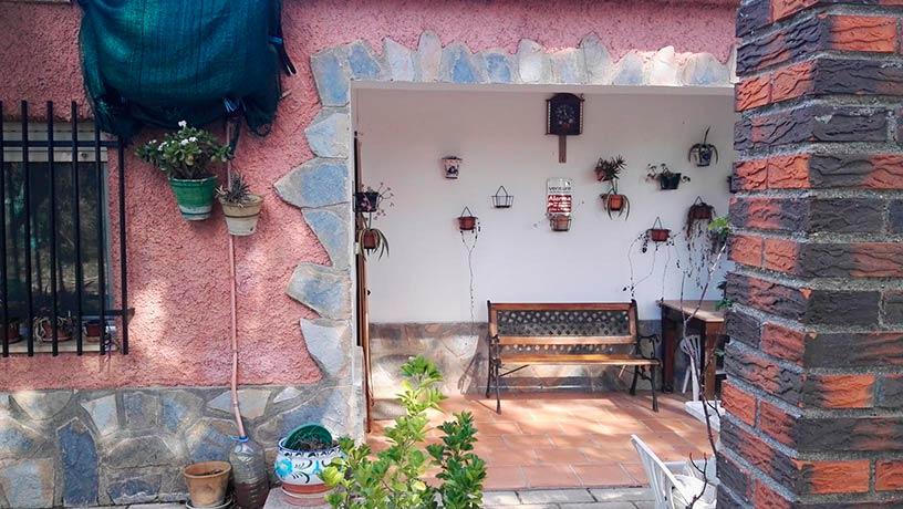 Hermosas Vistas en casa de Campo en Gaianes-porche2