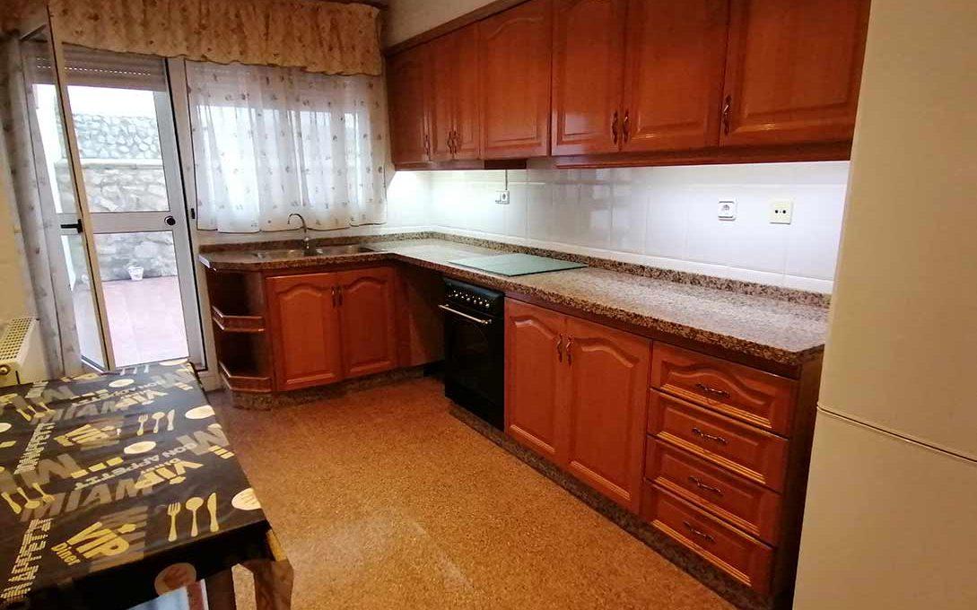 acogedor-piso-con-terraza-ensanche-cocina