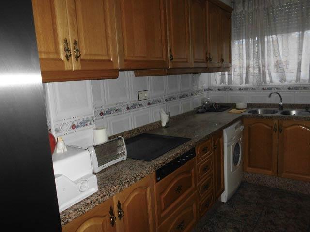 bonito y entrañable piso en ensanche-cocina2