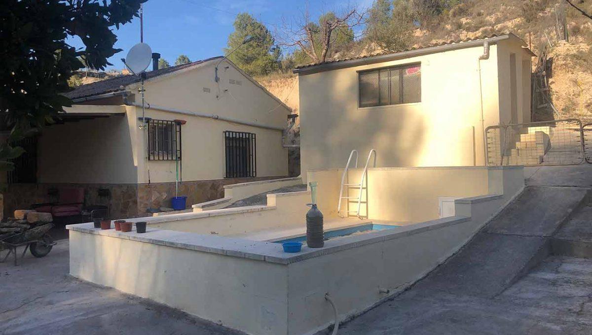 casa de campo_cocentaina_con_pozo_ ciego-piscina