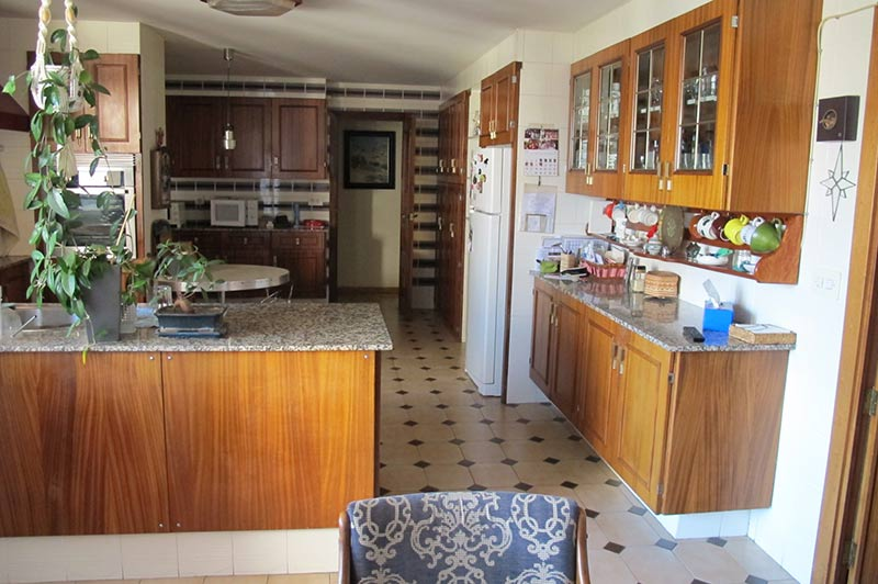 enorme_piso_de_estilo_tradicional_cocina