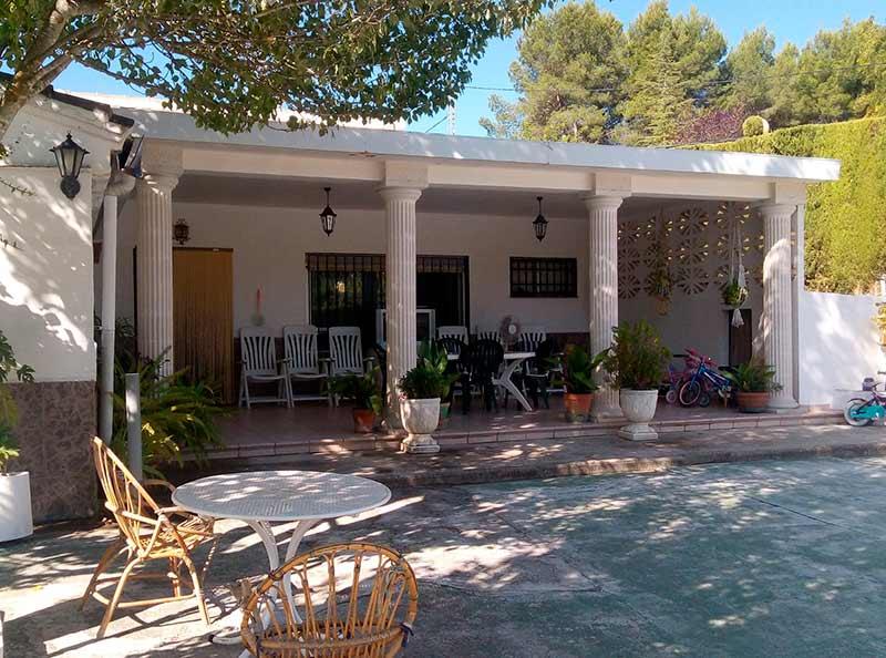 estupenda tradicional casa de campo en Baradello-porche2