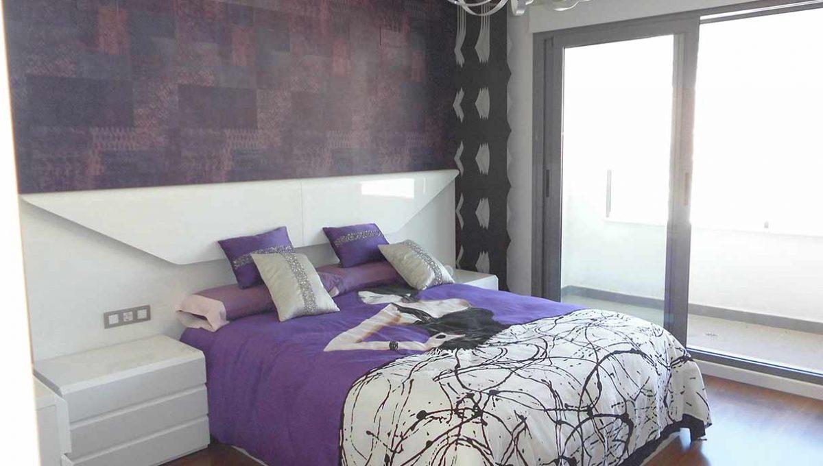 impresionante_atico_con_balcon_delantero_en_Ensanche_dormitorio