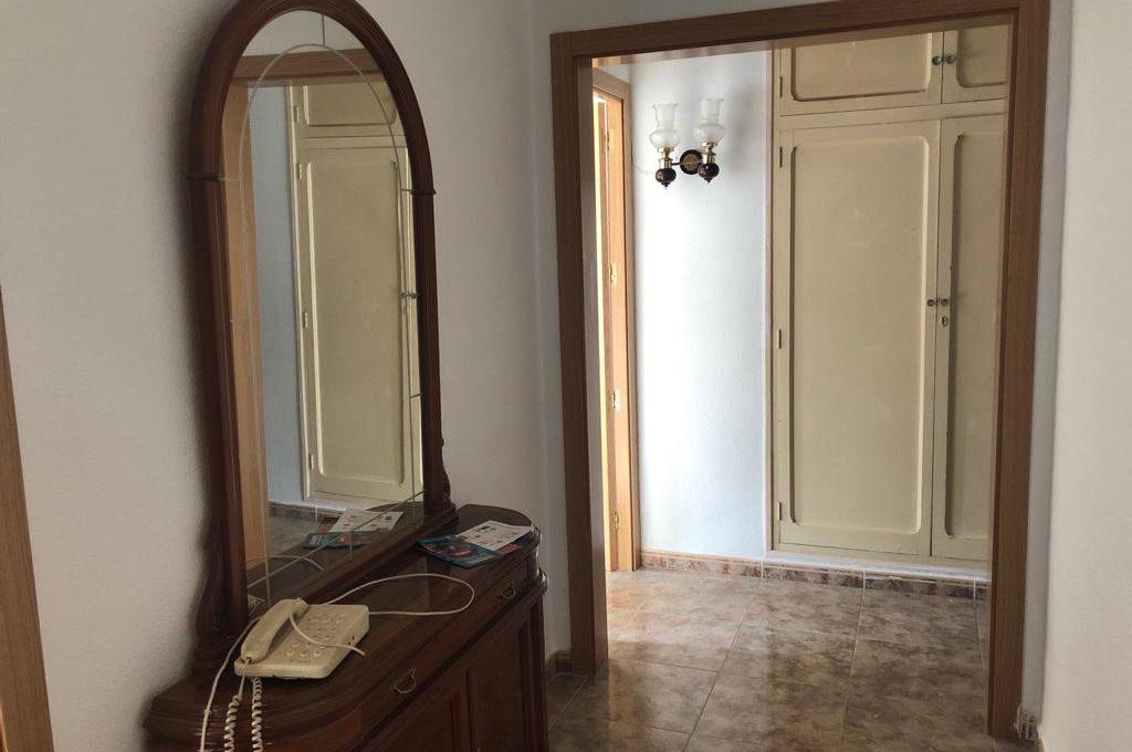 increible luminoso piso a reformar en ensanche-recibidor