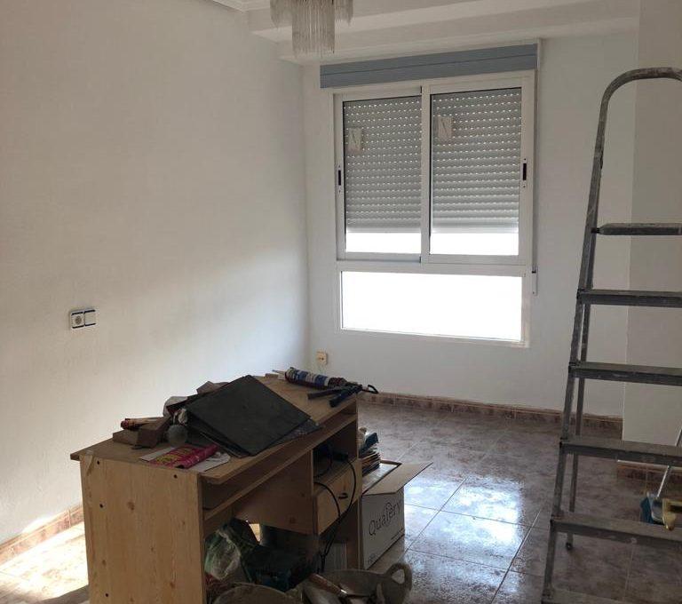increible luminoso piso a reformar en ensanche-salon