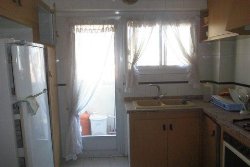 piso en santa rosa con 4 habitaciones cocina