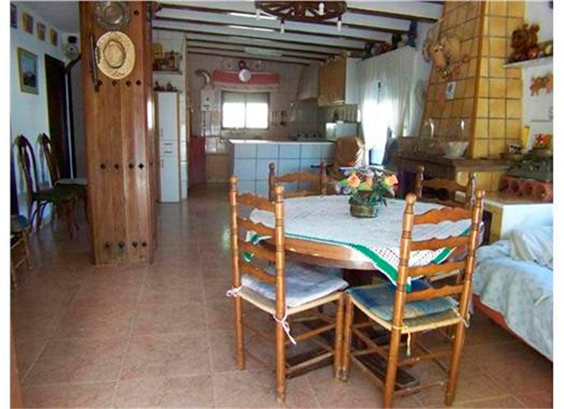 rustica e increible casa de campo en muro-comedor