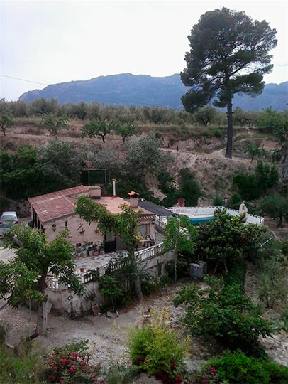 rustica e increible casa de campo en muro-vistas