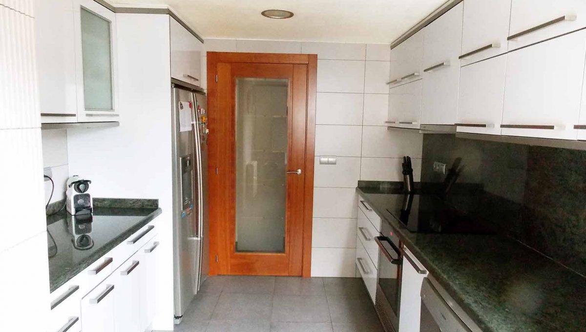 tradicional_brillante_y_clasico_piso_cocina