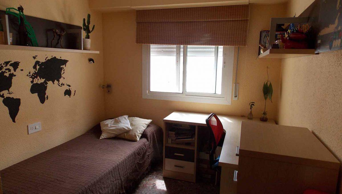 tradicional_brillante_y_clasico_piso_dormitorio