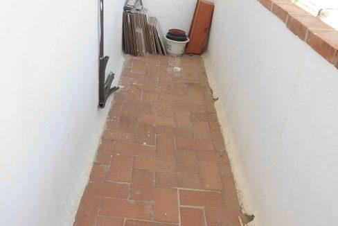 Piso en Santa Rosa con balcón exterior galería cocina