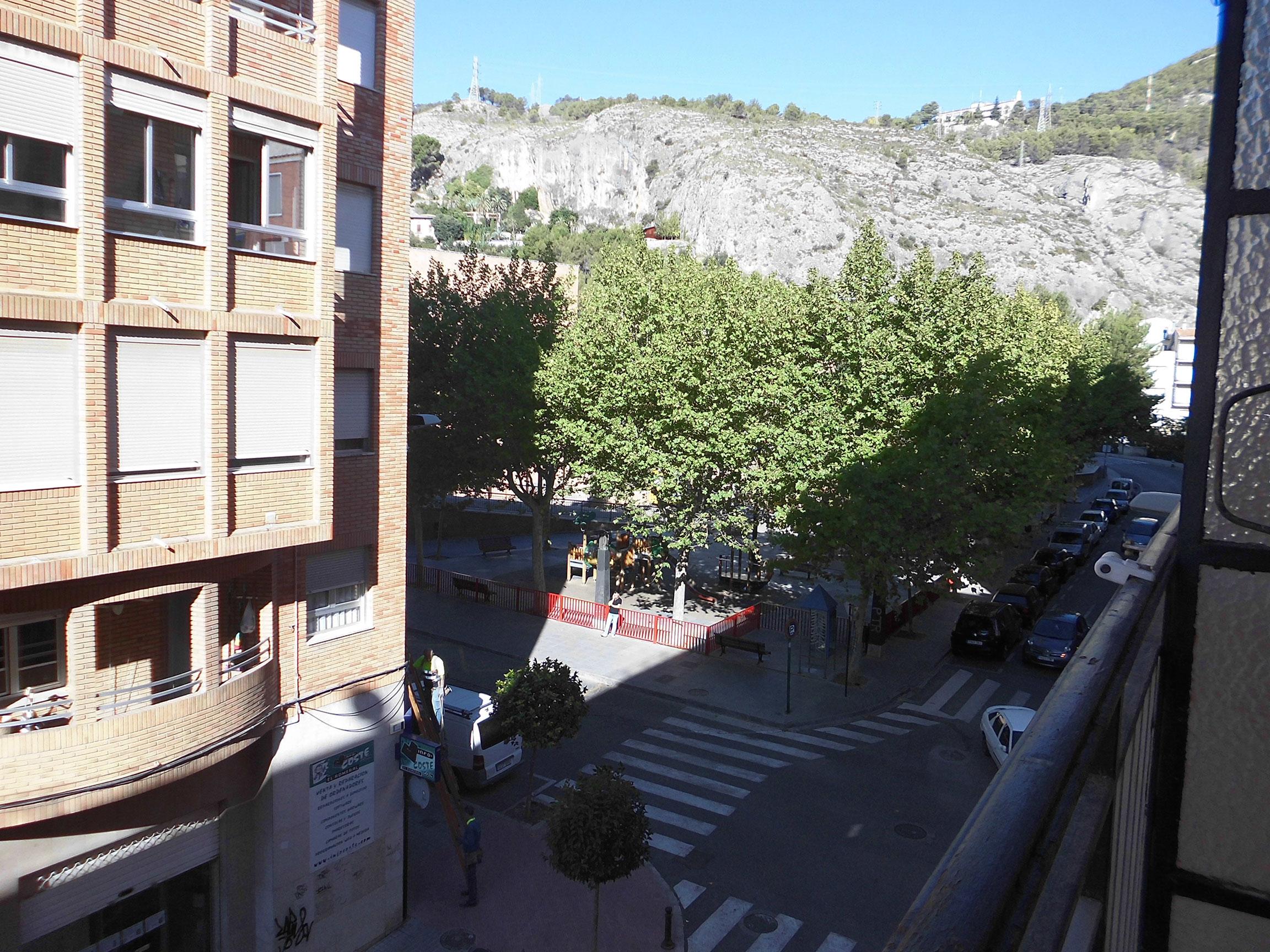 Piso en Santa Rosa muy soleado con balcón