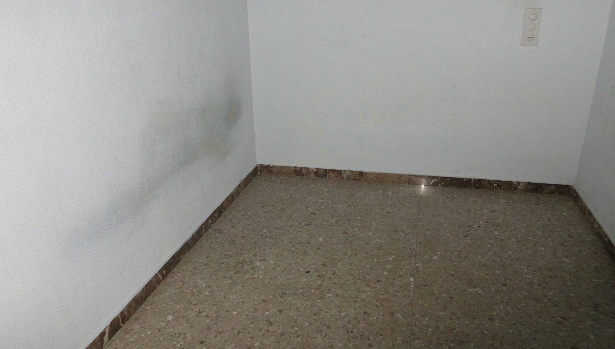 Piso muy soleado habitación 1