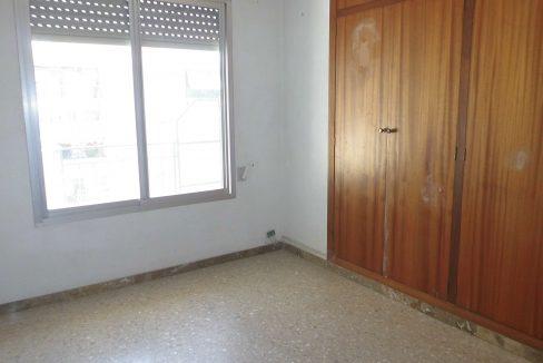 Piso muy soleado habitación 2