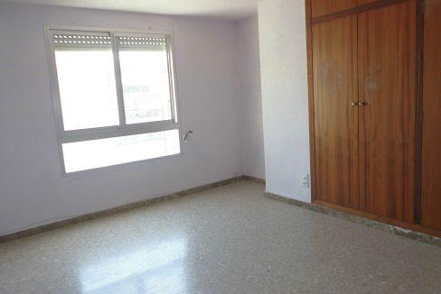 Piso muy soleado habitación 4