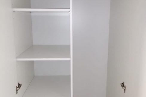 alquiler-de-piso-cerca-de-la-glorieta-armario habitación 2