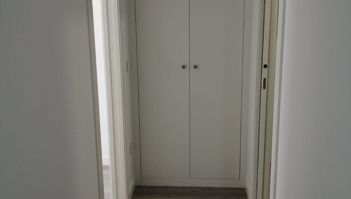 alquiler-de-piso-cerca-de-la-glorieta-armario pasillo
