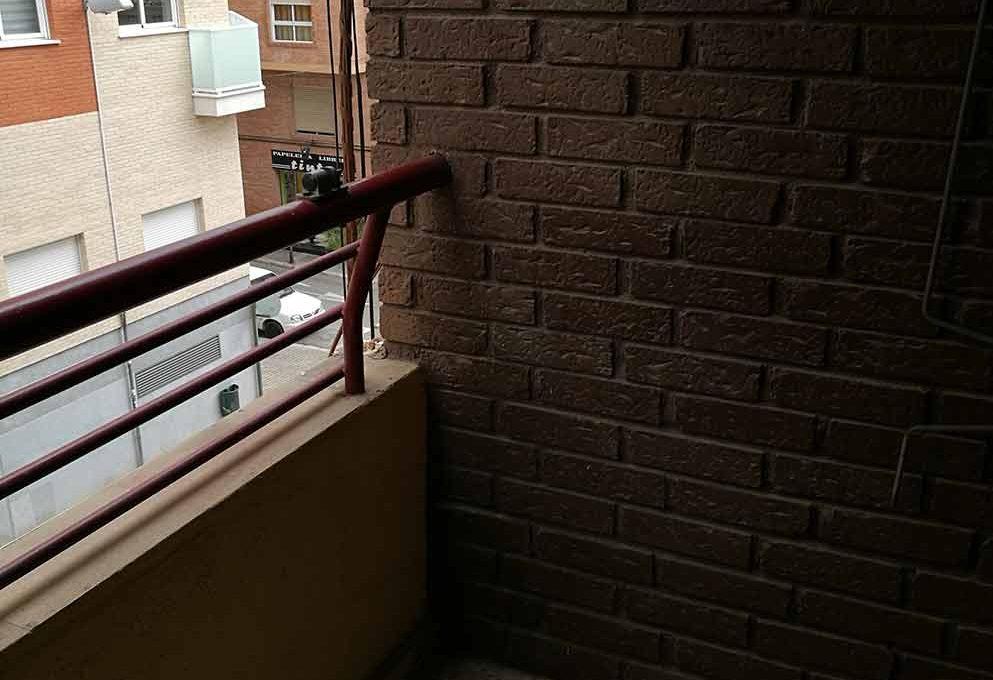agradable_y_bonito_piso_en_oliver-balcon