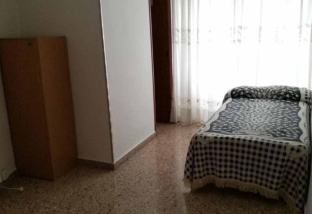 agradable_y_bonito_piso_en_oliver-dormitorio