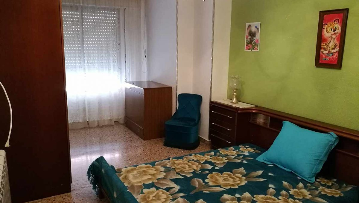 agradable_y_bonito_piso_en_oliver-dormitorio2