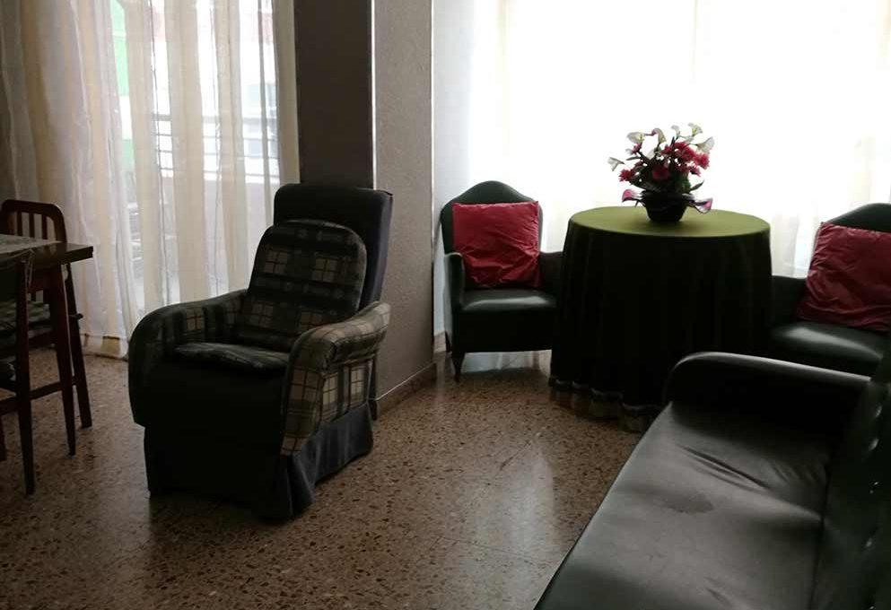 agradable_y_bonito_piso_en_oliver-salon