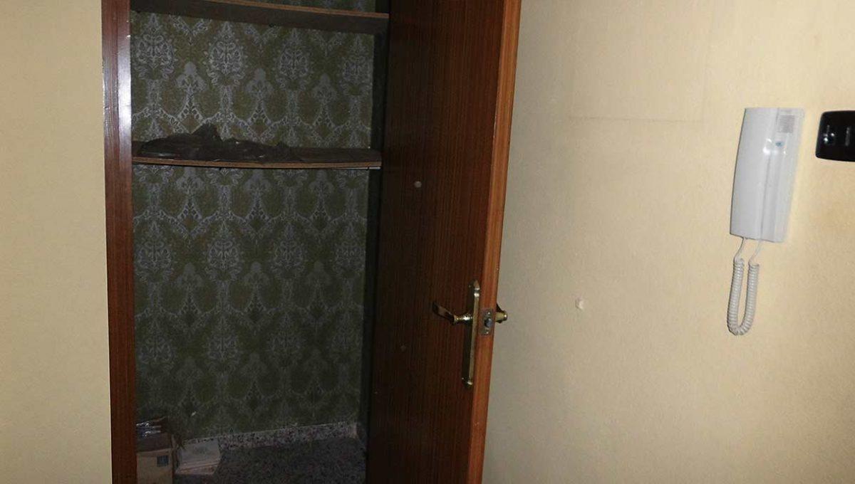 espacioso piso clasico en romeral-ropero