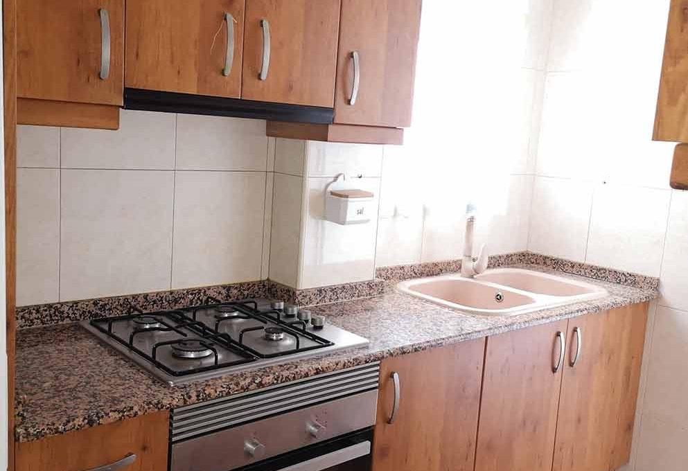 grande_y_soleado_piso_para_amueblar-cocina