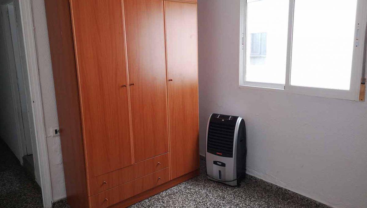 grande_y_soleado_piso_para_amueblar-dormitorio2