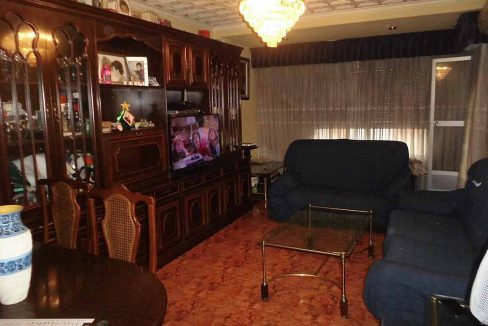 hermoso piso semireformado en Santa Rosa-comedor
