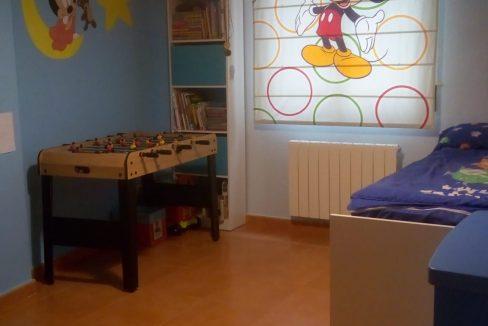 Alucinante piso moderno con dos patios en Santa Rosa-dormitorio2