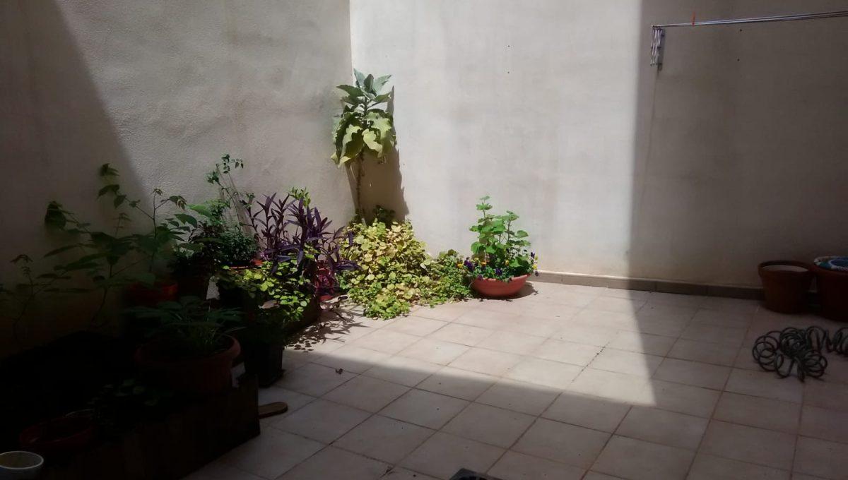 Alucinante piso moderno con dos patios en Santa Rosa-patio