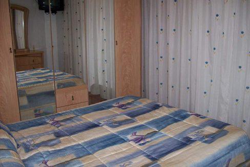 Clasico piso totalmente amueblado en el Centenario-dormitorio