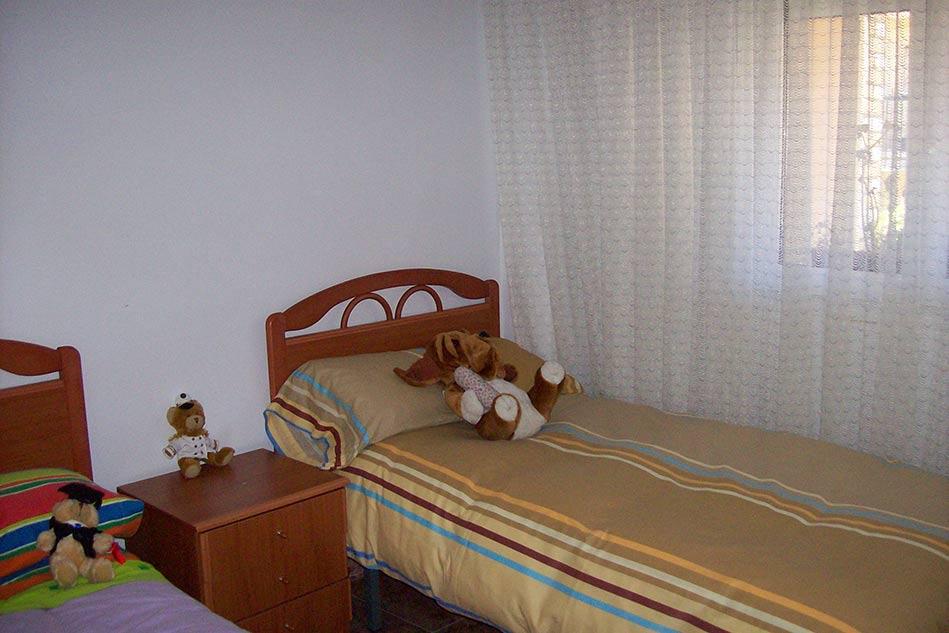 Clasico piso totalmente amueblado en el Centenario-dormitorio2