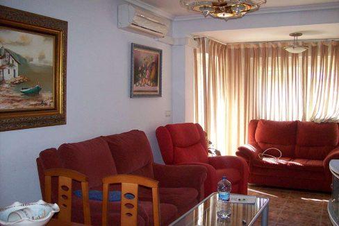Clasico piso totalmente amueblado en el Centenario-salon
