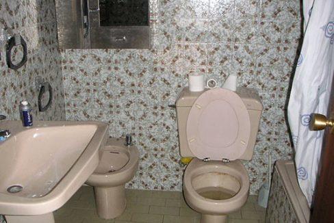Confortable ático semireformado en Santa rosa-banyo2