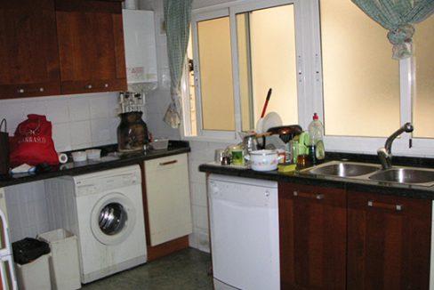 Confortable ático semireformado en Santa rosa-cocina2