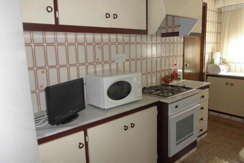 Enorme piso clásico en zona Oliver-cocina2