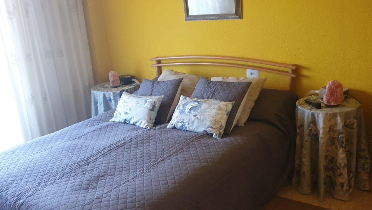 Gran piso con ventanas y puertas nuevas en Santa rosa-dormitorio
