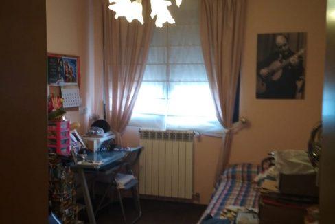 Soleado y confortable piso con balconcito en Santa rosa-dormitorio