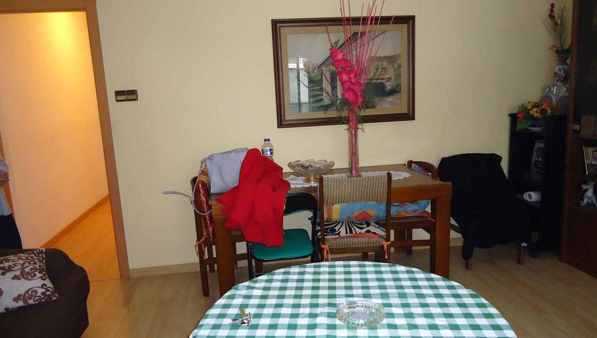amplio piso totalmente reformado en Santa rosa-comedor