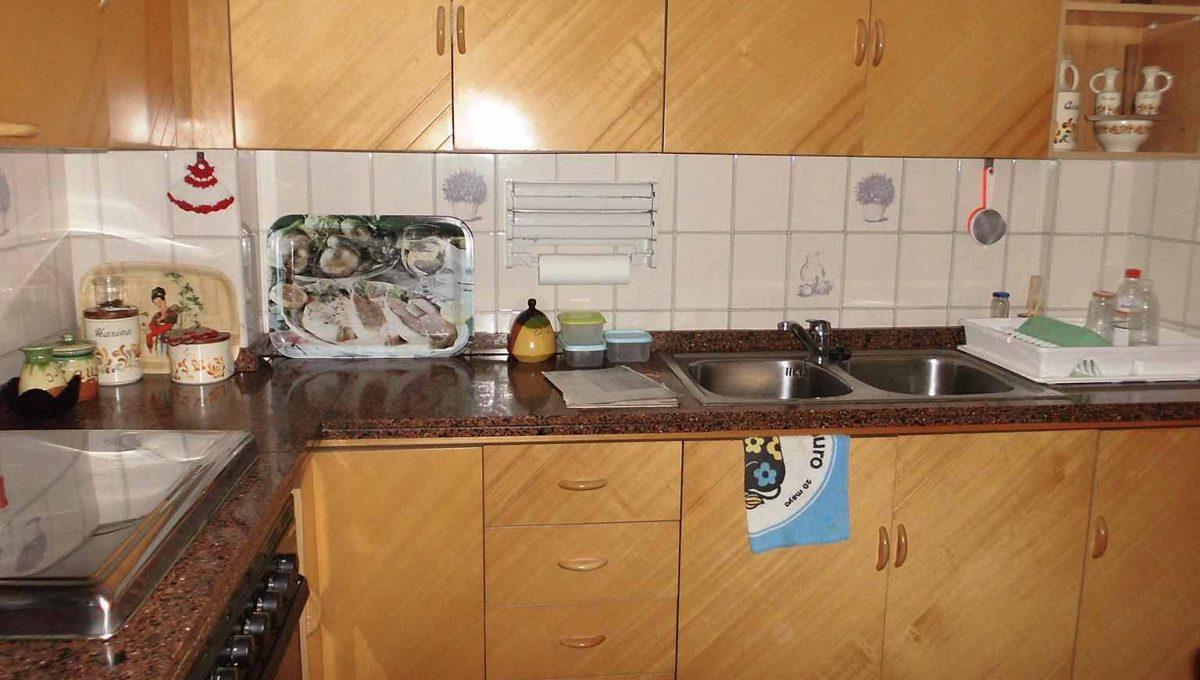 genial piso clásico con buena orientacion-cocina