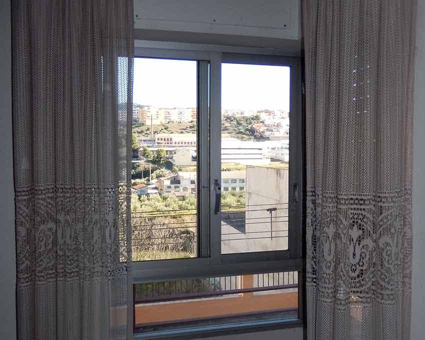 increible piso con dos balcones para amueblar-dormitorio2