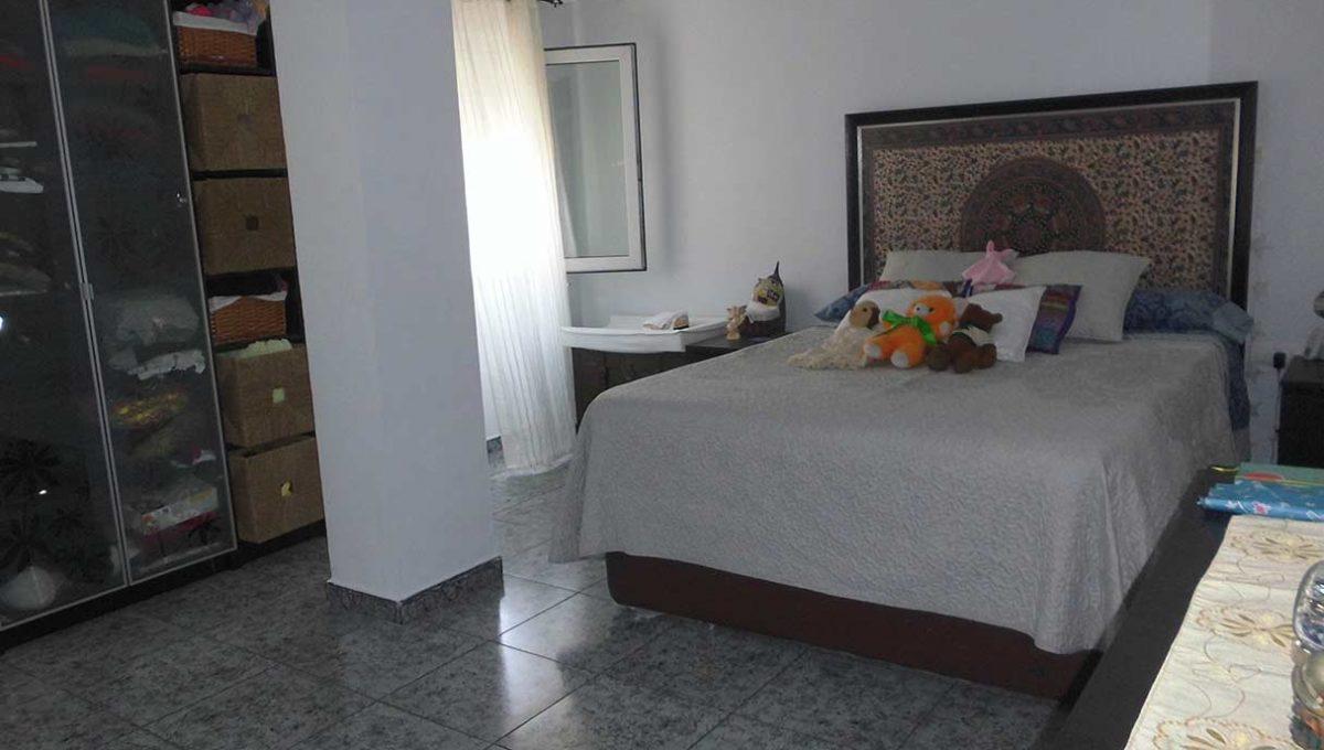 luminoso piso moderno con galeria y despensa-dormitorio