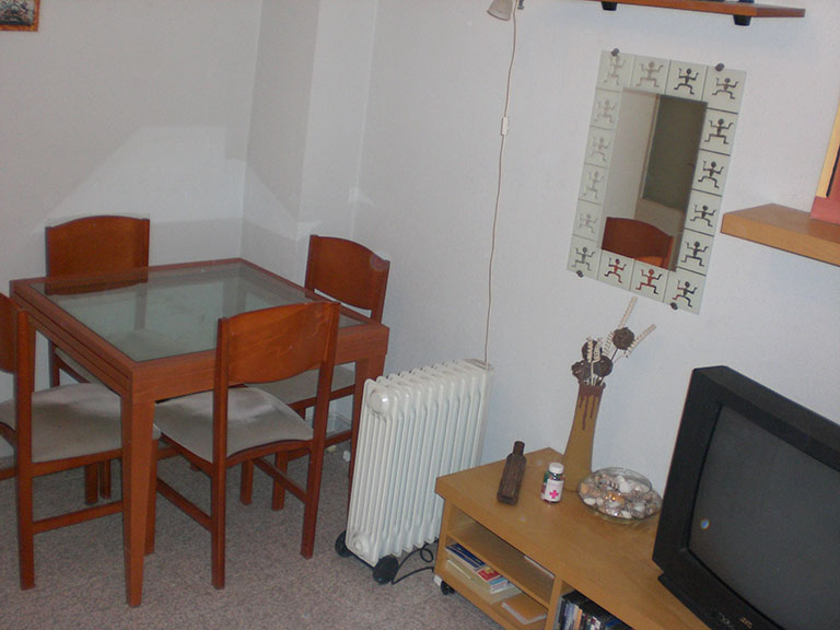 Acogedor piso con aire acondicionado para entrar a vivir-comedor2