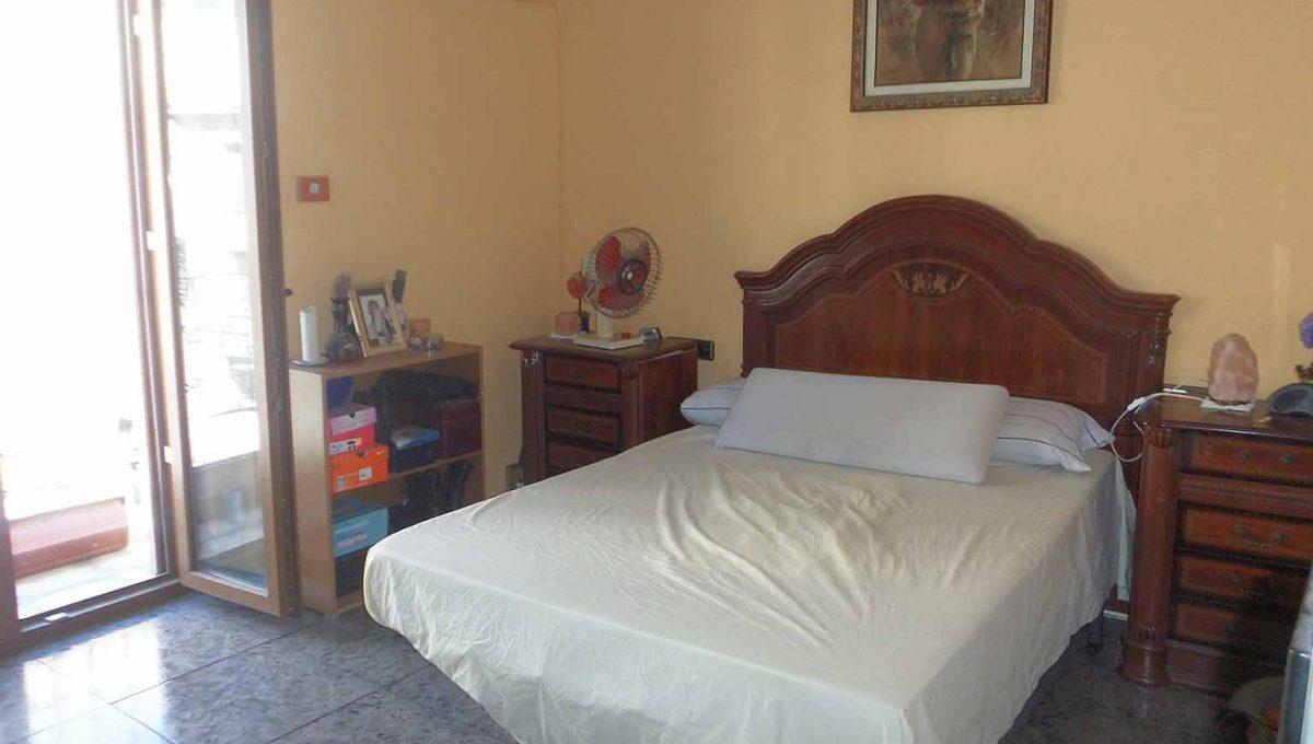 Acogedor piso que hace chaflán en zona Ensanche-dormitorio2