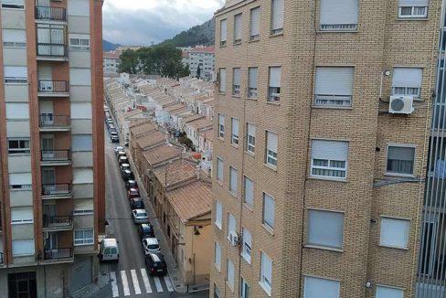 Céntrico-piso-con-buenas-vistas-a-amueblar-vistas