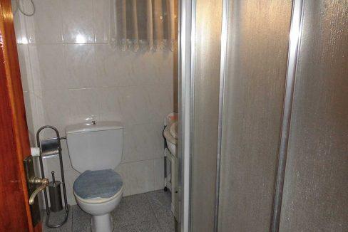 piso en chaflán con mirador en Ensanche-banyo