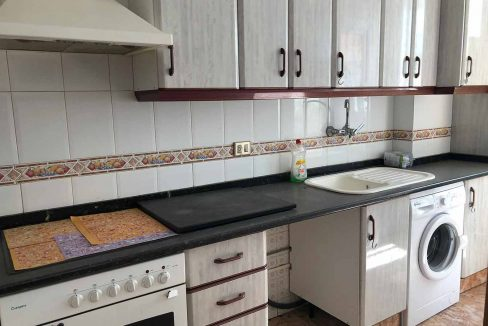 semisótano con terraza en Ensanche-cocina3