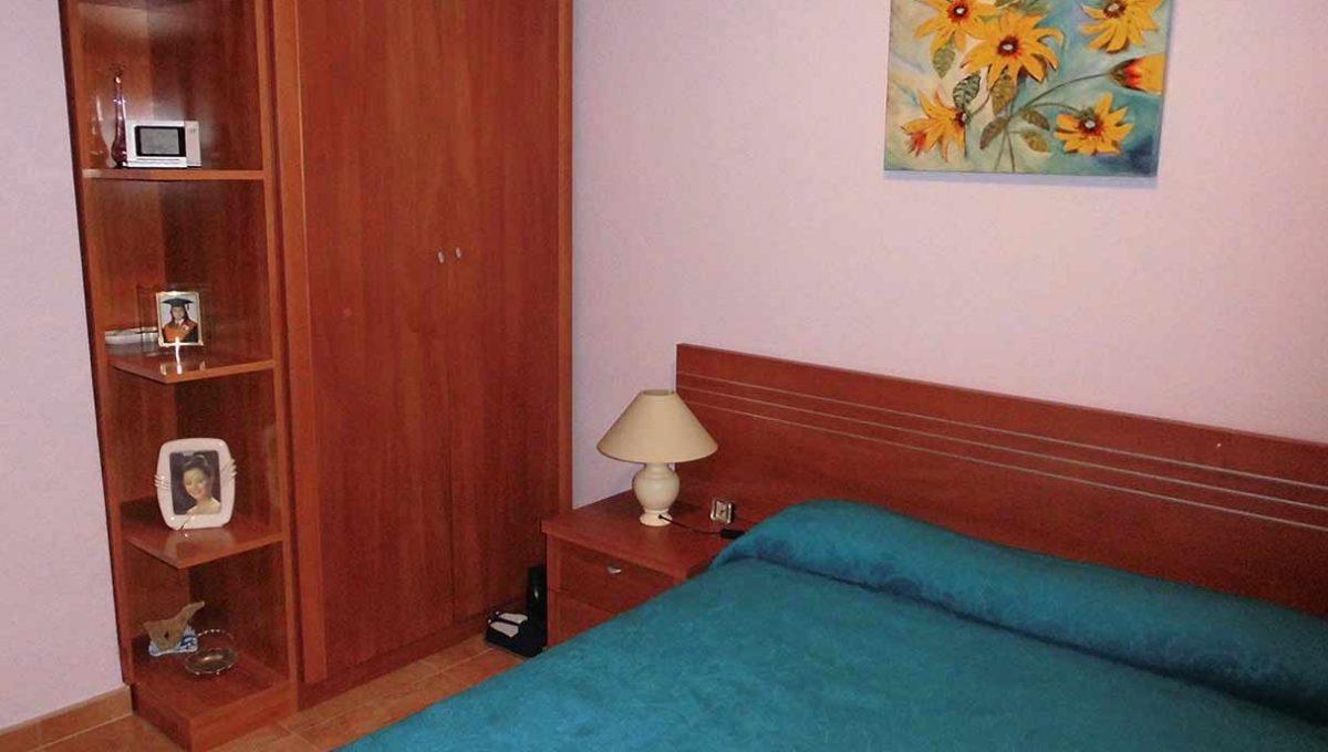 Amplio piso con balcon exterior y buenas vistas en el Romeral-dormitorio