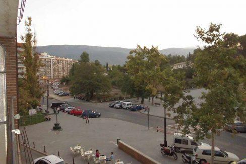 Amplio piso con balcon exterior y buenas vistas en el Romeral-exterior
